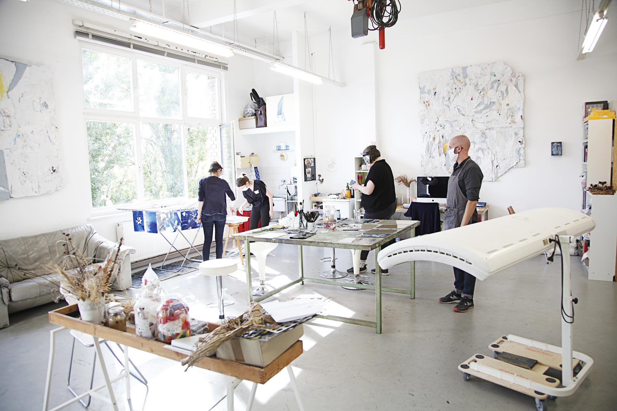 Blaues Glück – Cyanotype workshop with Kirsten Heuschen, Berlin